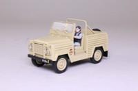 Universal Hobbies 67; James Bond Land Rover Lightweight; The Living Daylights