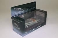 Vanguards VA05904; Jaguar XK120; Open Roadster; Pale Green Metallic