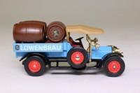 Models of Yesteryear Y-26/1; 1918 Crossley Delivery Truck with Barrels; Lowenbrau Beer