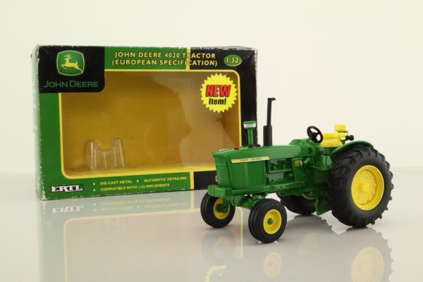 ERTL 40923; John Deere 4020 Tractor; Green & Yellow