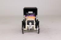 Rio 31; 1901 Fiat Modello 8CV; White, Black Soft Top