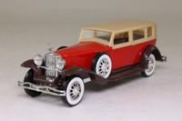 Solido 4156; 1930 Duesenberg Model J Sedan; Red, Tan Roof