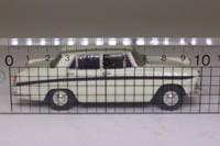 Vanguards VA04404; Austin A60 Cambridge; Snowberry White & Maroon