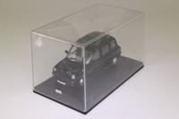 Oxford Diecast TX4001; London Taxi TX4; Black