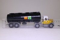 Corgi Classics 97840; Scammell Highwayman; Articulated Tanker, Shell Mex/BP