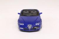 Minichamps 400 120334; 2003 Alfa Romeo Spider; Open Top, Blu Lightning