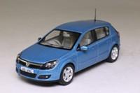 Vanguards VA09404; 2004 Vauxhall Astra; SXi, Breeze Blue