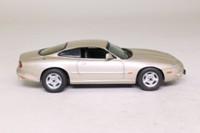Vitesse V101D; Jaguar XK8; Coupe, Metallic Topaz Beige