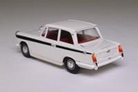 Vanguards VA5008; Triumph Herald; White, Black Trim