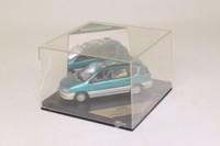 Vitesse V085D; Toyota Ipsum; Green Metallic & Gold