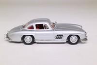 Minichamps 400 039000; 1955 Mercedes-Benz 300 SL; Silver