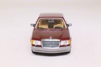 Minichamps 430 039305; 1989 Mercedes-Benz 560 SEL; Dark Red