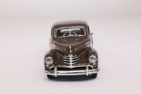 Minichamps 430 043307; 1951 Opel Kapitan; Chocolate Brown
