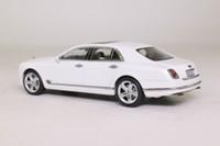 Kyosho 05611GW; 2014 Bentley Mulsanne Speed; Ghost White Pearlescent