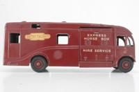 Dinky Toys 581; AEC Horse Box
