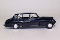 Dinky Toys 152; Rolls-Royce Phantom V; Navy Blue, Three Passengers