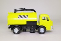 Dinky Toys 449; Ford D Series Johnson Road Sweeper