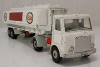 Dinky Toys 945; AEC Mercury Artic; Fuel Tanker Esso