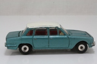 Dinky Toys 135; Triumph 2000 Mk1; Metallic Green-Blue White Roof