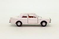 Dinky Toys 159; Ford Cortina Mk II