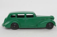 Dinky Toys 39a; Packard Super 8; Green, Black Painted Baseplate, Ridged Hubs