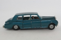 Dinky Toys 152; Rolls-Royce Phantom V; Metallic Blue, Chauffeur Only, Cast Hubs