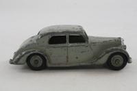 Dinky Toys 40a; Riley Saloon; Light Grey, Grey Hubs
