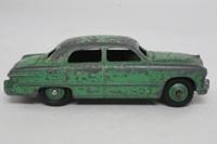 Dinky Toys 139a; Ford Fordor Sedan; Green, Green Hubs
