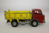 Dinky Toys 438; Ford D800 Tipper Truck