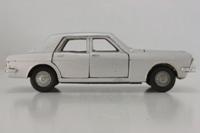 Dinky Toys 164; Ford Zodiac Mk IV; Silver