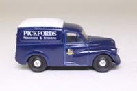 Corgi Classics D957; Morris Minor Van; Pickfords, Removers & Storers