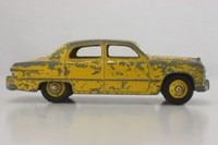 Dinky Toys 139a; Ford Fordor Sedan; Yellow, Yellow Hubs