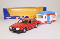 Volvo 740GL Car & Caravan Set