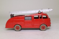 Dinky Toys 555/955; Fire Engine with Extending Ladder