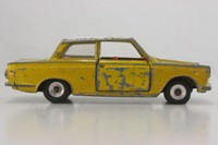 DINKY - Ford Cortina - 133