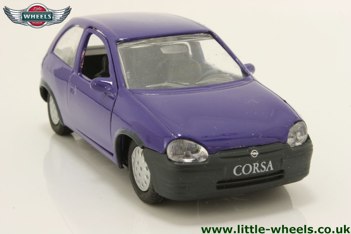 mikro vauxhall opel corsa bright purple opening doors hatch boxed nice ebay. Black Bedroom Furniture Sets. Home Design Ideas