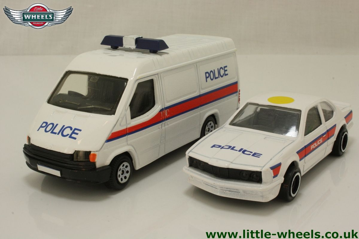 corgi classics c19 police transit bmw set ford transit van bmw police car 10499. Black Bedroom Furniture Sets. Home Design Ideas