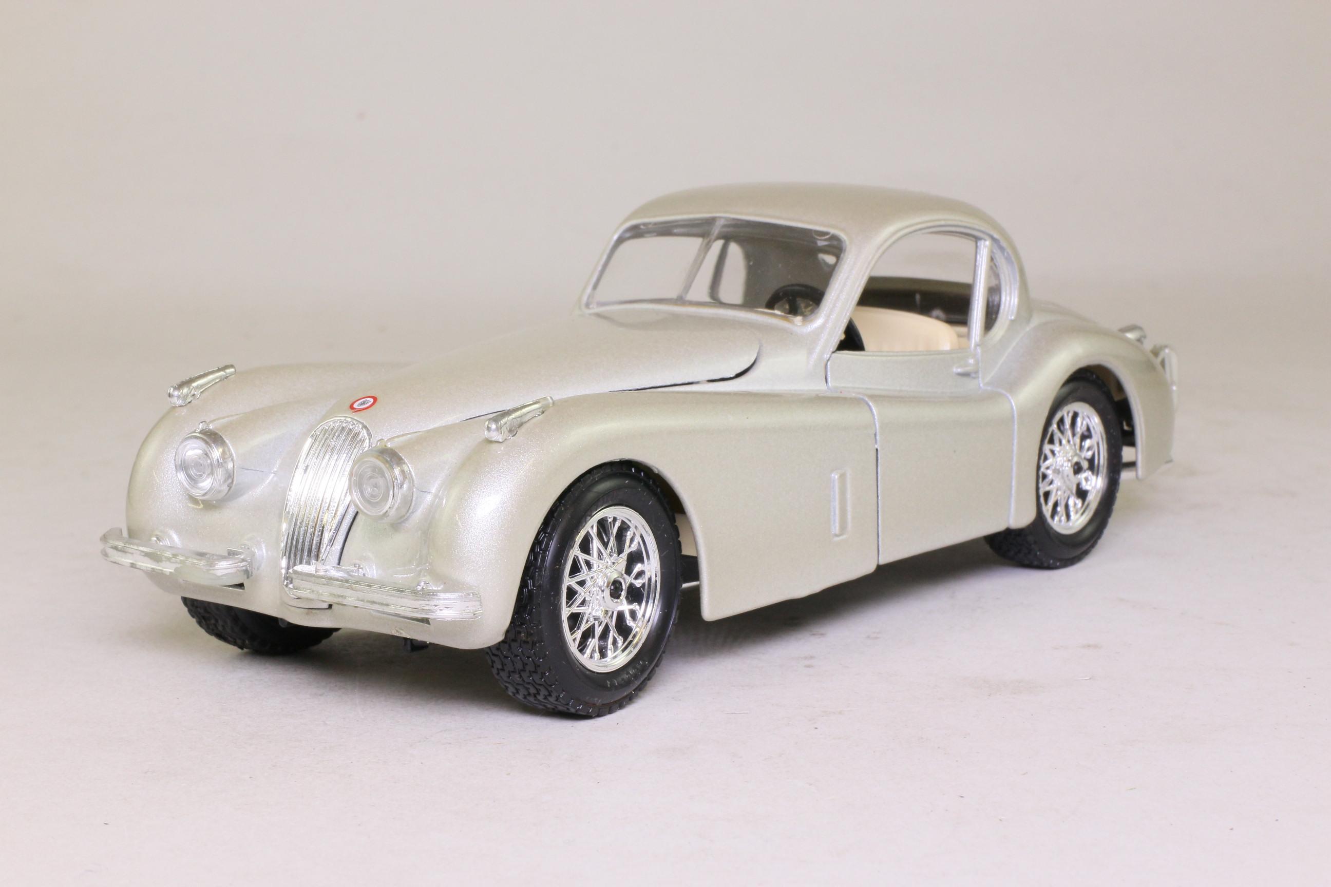 Burago 1:24 Scale; 1948 Jaguar XK120 Coupe; Metallic ...