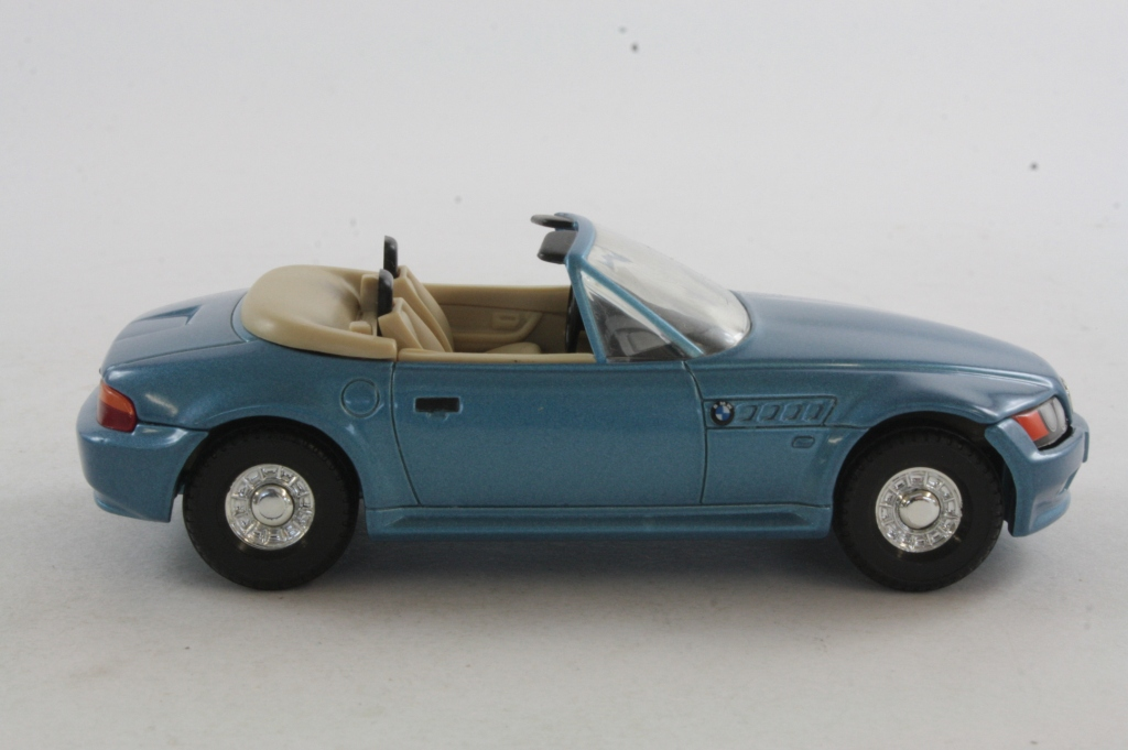 Corgi Classics 04901 James Bond S Bmw Z3 Golden Eye