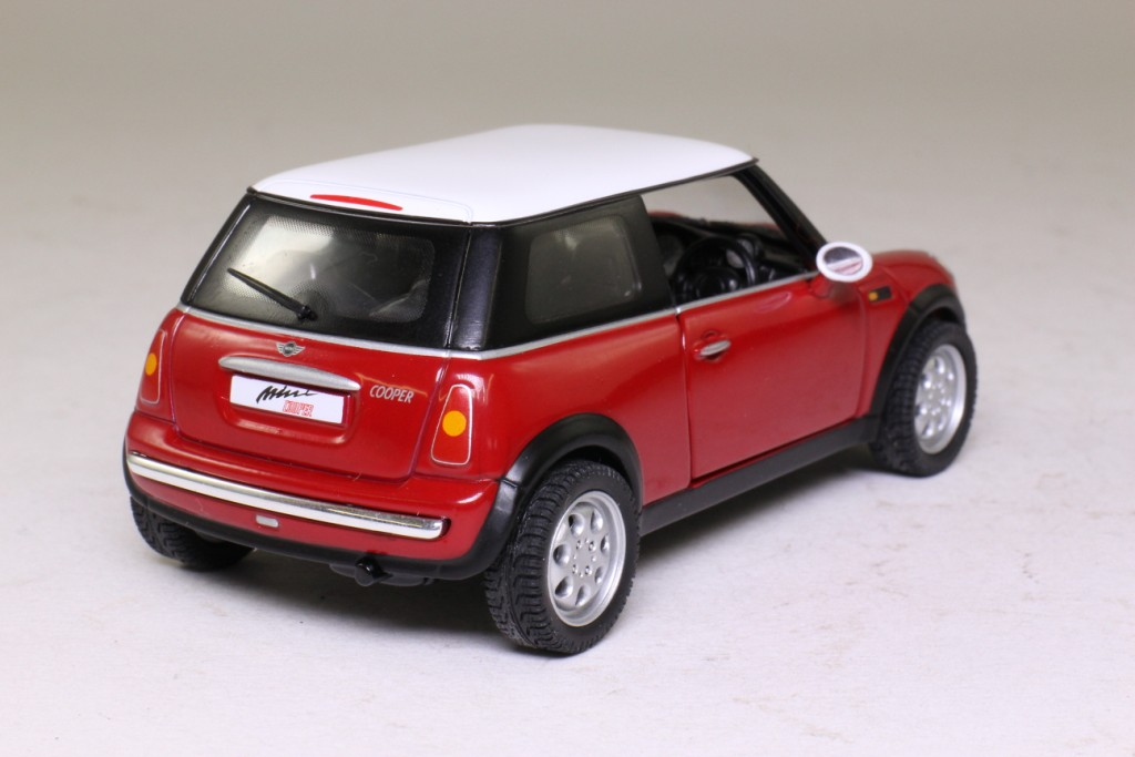 Bmw Mini Cooper >> Corgi Classics CC86501; 2001 BMW Mini-Cooper; Red, White Roof 29517