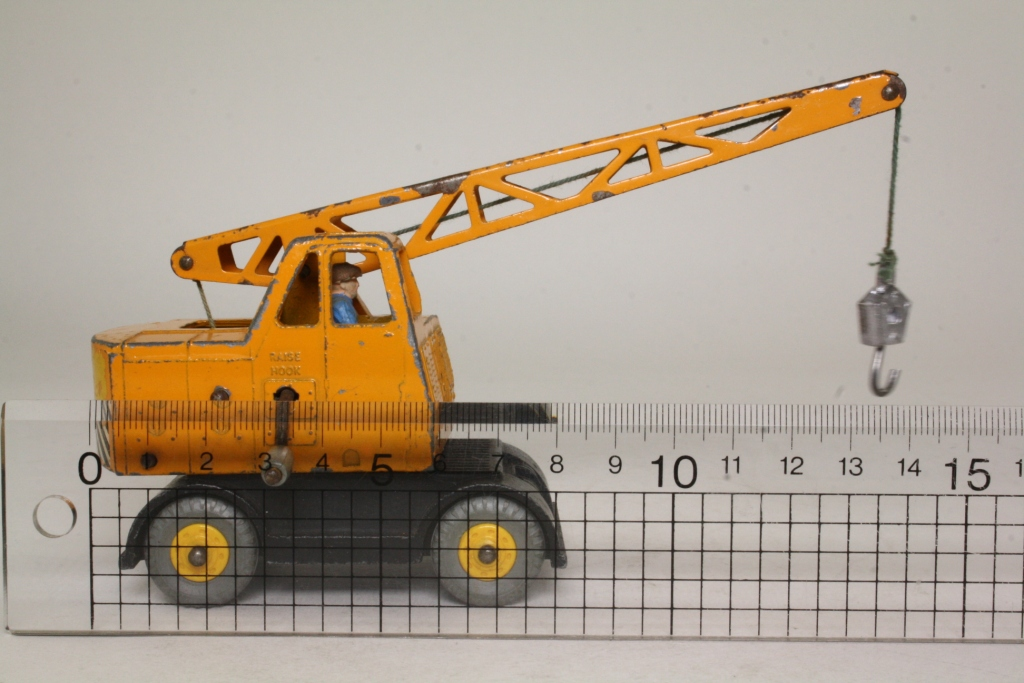 Mobile Crane Driver : Dinky toys coles mobile crane yellow black with driver