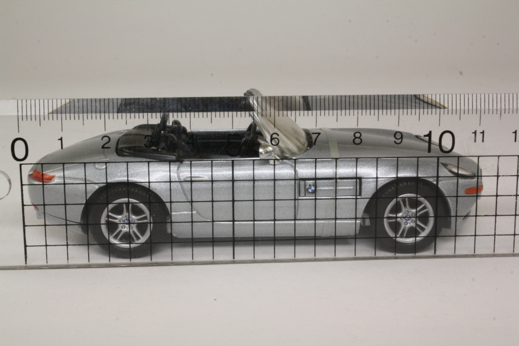 Corgi Classics Cc05004 James Bond S Bmw Z8 The World Is