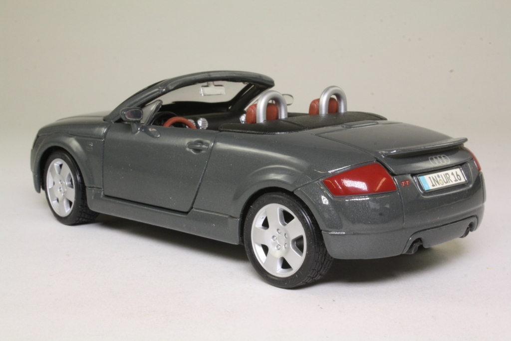 maisto 31978 1998 audi tt roadster top down grey 1 24 scale good little wheels. Black Bedroom Furniture Sets. Home Design Ideas