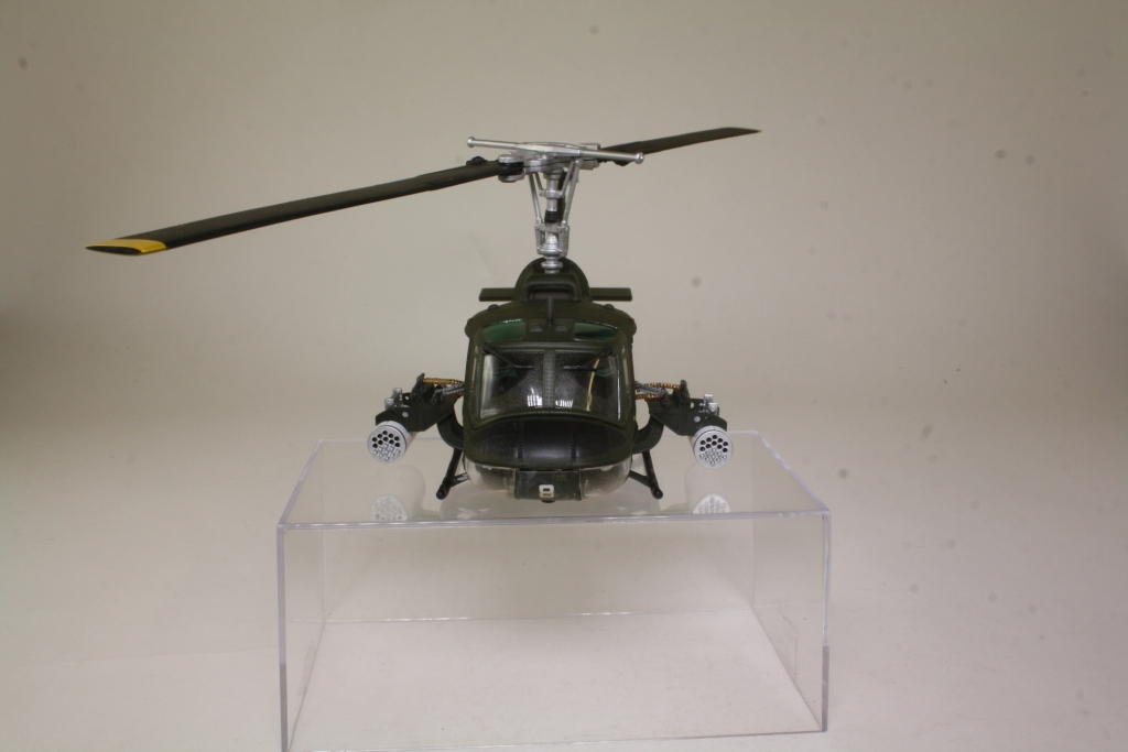huey helicopter with Model 35613 on Helicopter Clip Art Free as well Vietnam War moreover Gunship Murray Jones moreover Avhuey 1 additionally Model 35613.