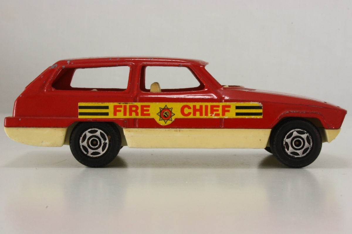 Corgi Cubs Fire Chief Car - R505