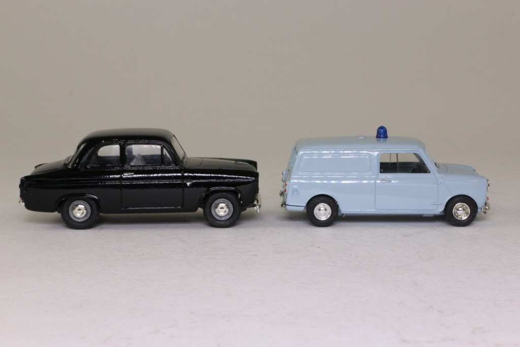 ... HB2002; Heartbeat 2 Pce Set; Police Mini Van & Ford 100E Popular 52678
