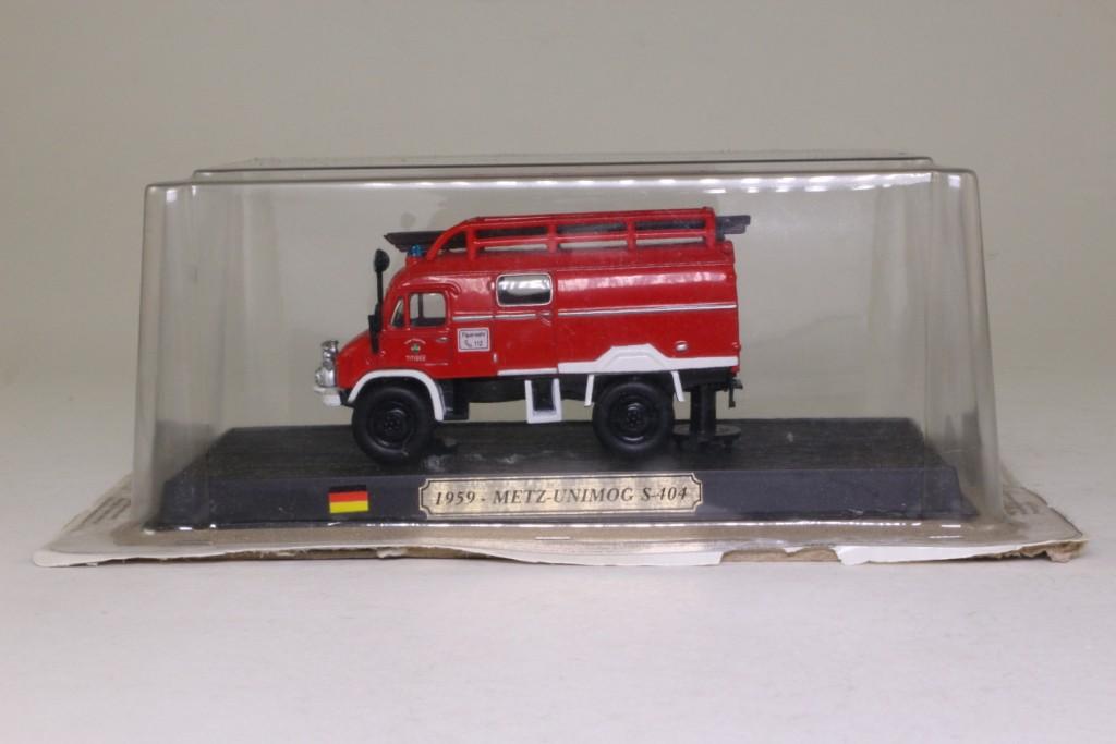 1959 METZ UNIMOG S-404 FIRE TRUCK 1:64 CAR