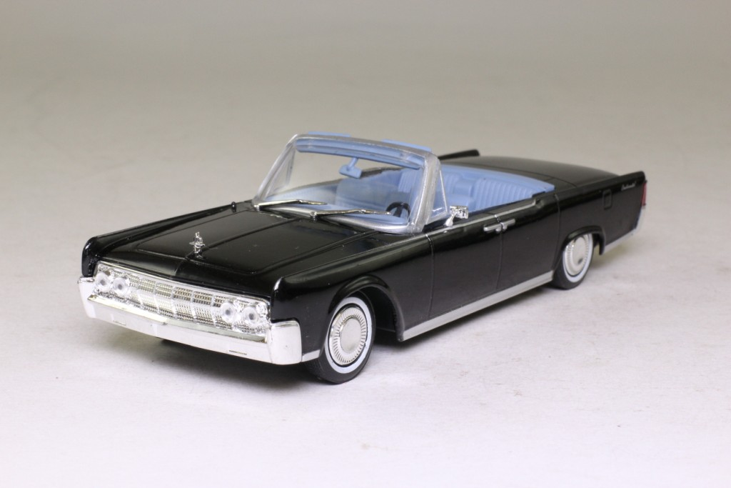 james bond 132 lincoln continental convertible goldfinger uh excellent boxed ebay. Black Bedroom Furniture Sets. Home Design Ideas