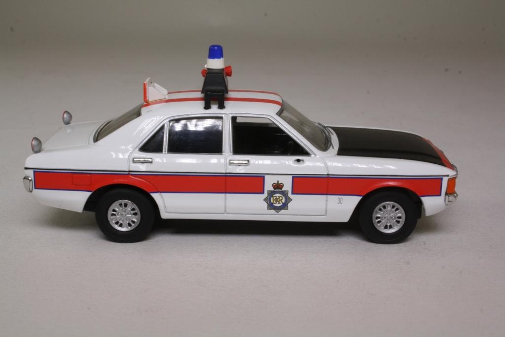 Vanguards VA05203; Ford Granada MkI; Greater Manchester Police 58605