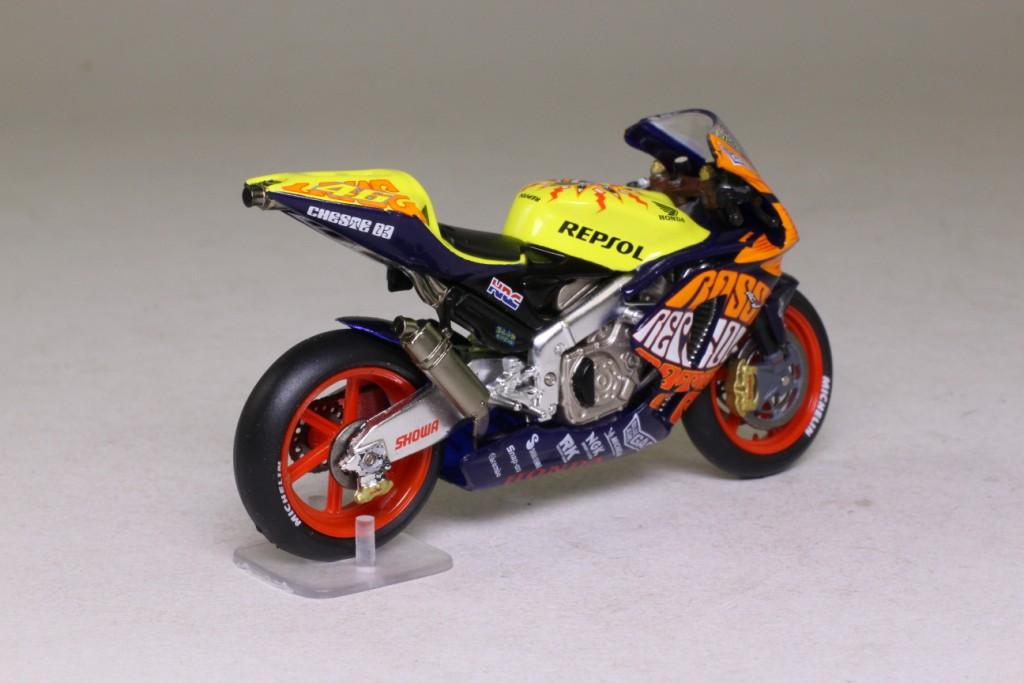 Ixo rab075 honda rc211v moto gp bike 2003 valencia v for Honda valencia service